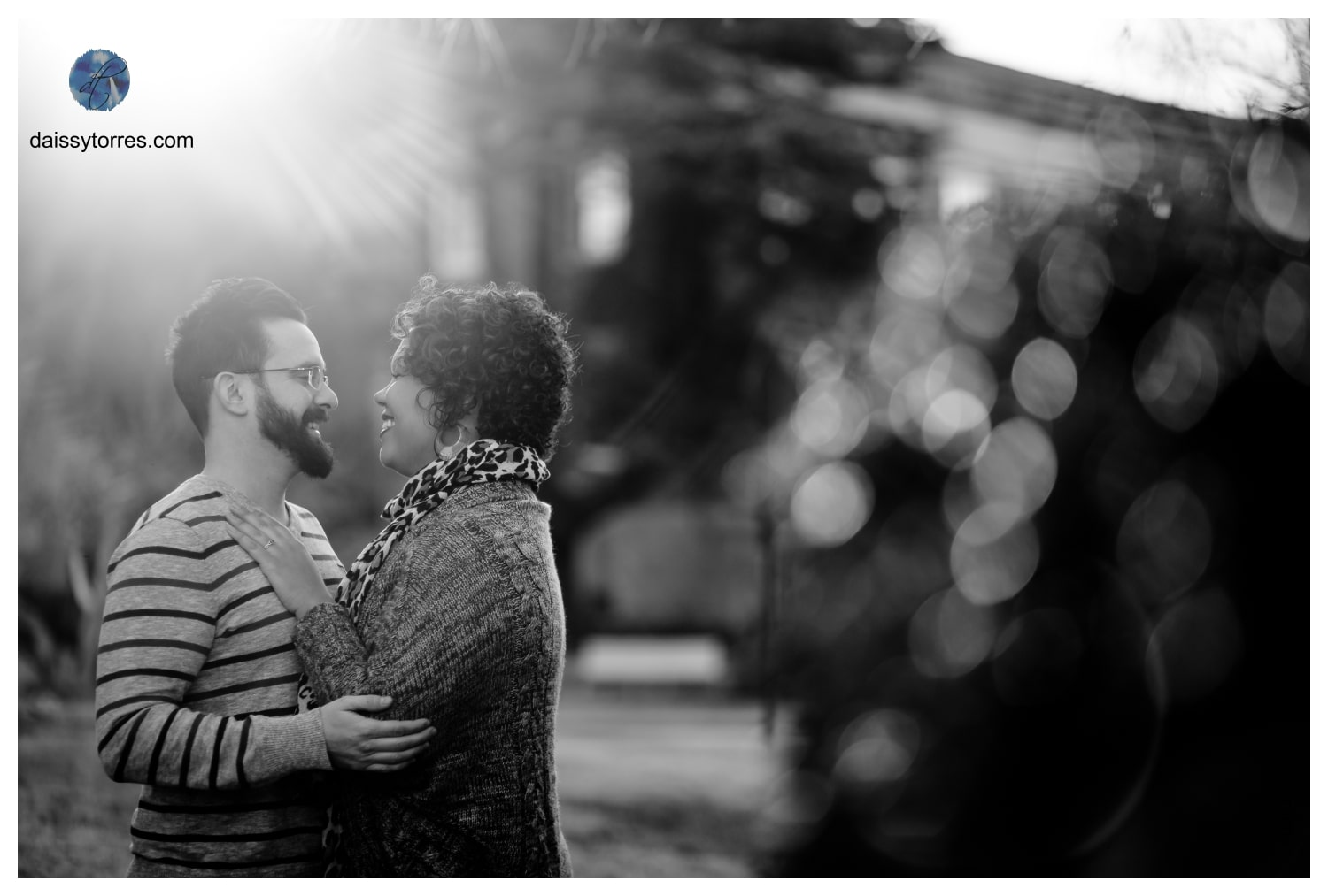 Romantic Black and White Fort Monroe Engagement Session by Daissy Torres Photography