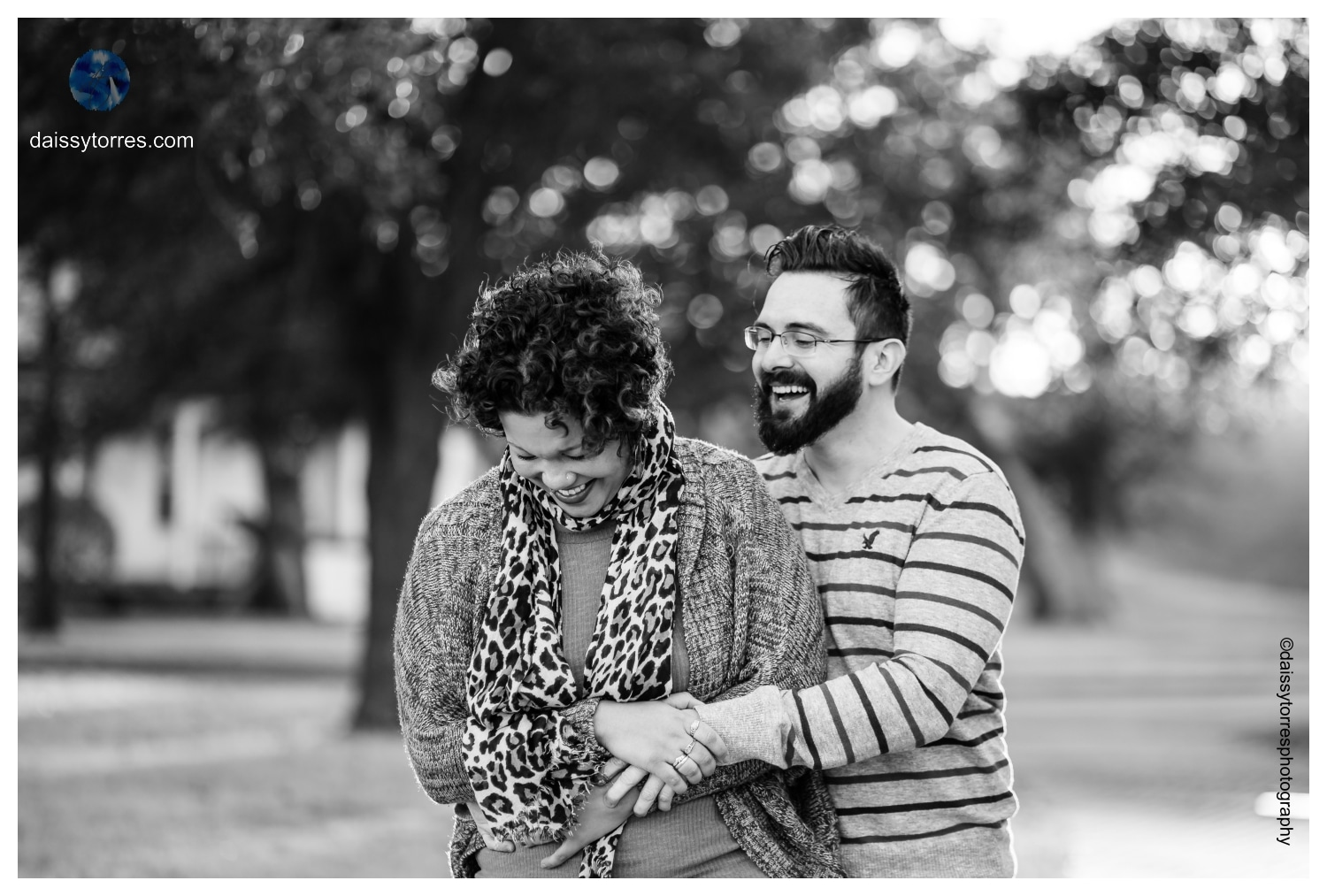 Black and White Fort Monroe Engagement Session by Daissy Torres Photography