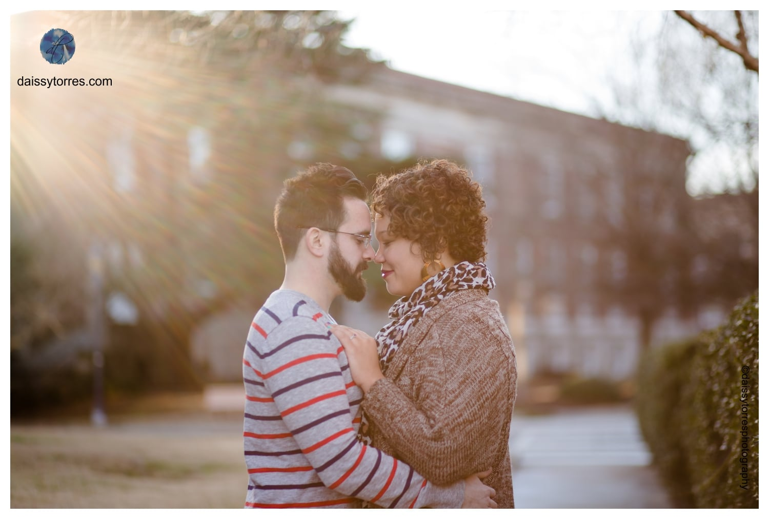 Romantic Fort Monroe Engagement Session by Daissy Torres Photography